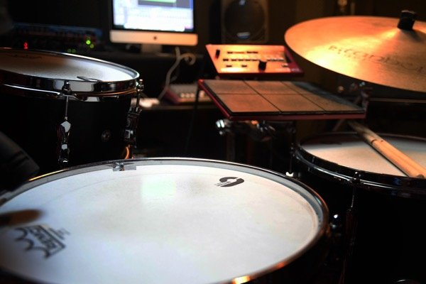 hedendaags drummen met elektronica
